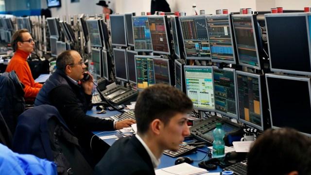 Bolsas europeas abren con alzas al bajar tensión