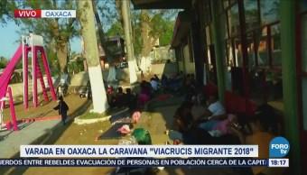 Caravana de migrantes continúa varada en Oaxaca