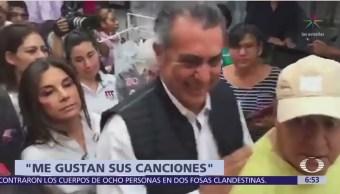 Confunden a Jaime Rodríguez con Lupe Esparza en mercado de Querétaro