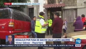 Desalojo por fuga de gas en calle Lauro Aguirre, CDMX