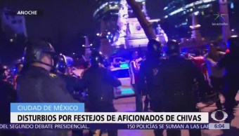 Disturbios por festejos de aficionados de Chivas, en la CDMX