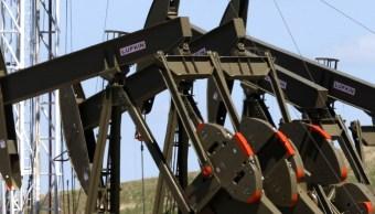 El superávit mundial de oferta de petróleo