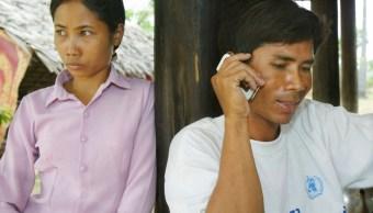 Hasta que el smartphone nos separe; dispositivos distancian a las parejas