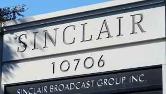 Trump acusa a la prensa de mentirosa y defiende a Sinclair