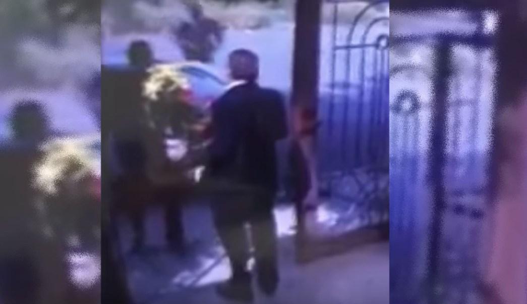 Fingen Entregar Arreglos Florales Para Asaltar En Nuevo León