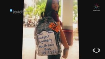Estudiantes de Florida reciben mochilas transparentes