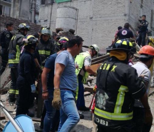 explosion en iztacalco deja cuatro personas bajo escombros