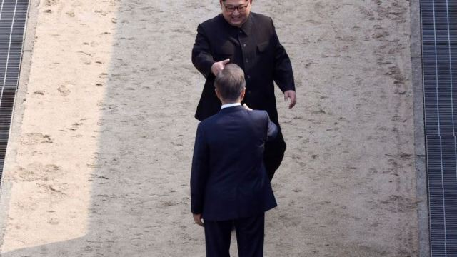 Guerra de Corea ha terminado tras la cumbre de los líderes Kim y Moon, dice Trump