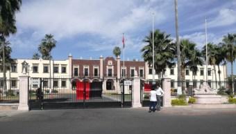 Estalla huelga en la Universidad de Sonora; autoridades la declaran inexistente