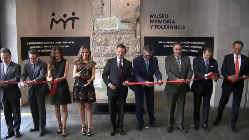 inauguran pieza del muro de berlin en museo memoria y tolerancia