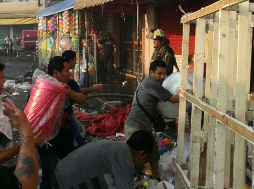 Se incendia bodega detrás de Mercado de Sonora