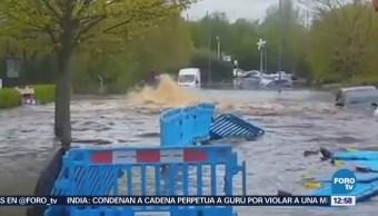 Inundación en Reino Unido afecta decenas de viviendas