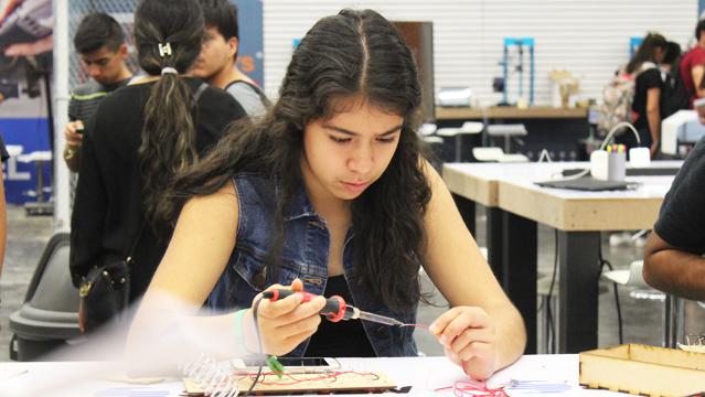 Jóvenes trabajando en Jalisco Talent Land 2018