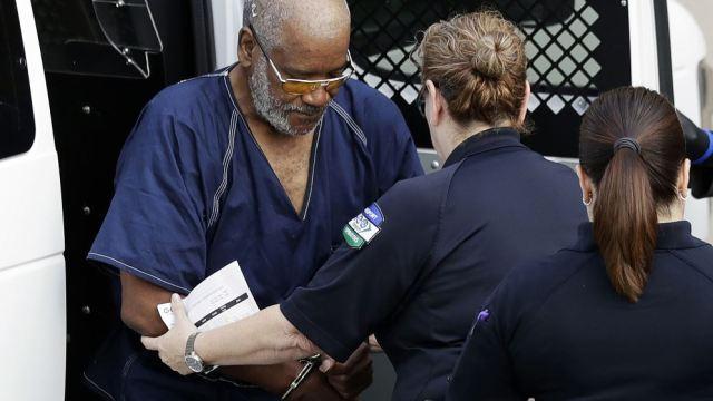 Dan cadena perpetua a chofer de tráiler donde murieron 10 inmigrantes Texas