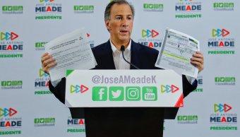 Meade conmina a López Obrador a entregar dos departamentos