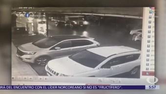 Ladrón roba objetos dentro de camioneta estacionada en Cholula, Puebla
