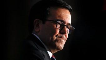 Las conversaciones del TLCAN no son fáciles,dice Ildefonso Guajardo. (AP, Archivo)