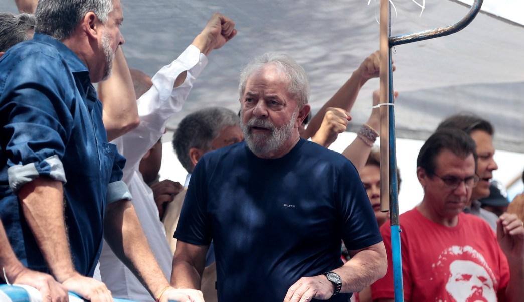 Lula anuncia que cumplirá el mandato de prisión