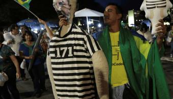 Lula tiene hasta el martes para presentar último recurso contra encarcelamiento