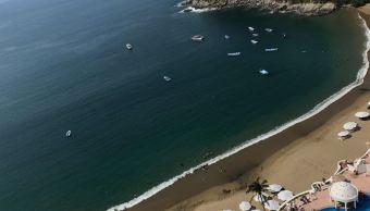 Turistas disfrutan de festejos por Día del Trabajo en Colima