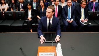 Mark Zuckerberg, director y fundador de Facebook, comparece por segundo día