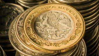 Peso mexicano cae a nivel más débil