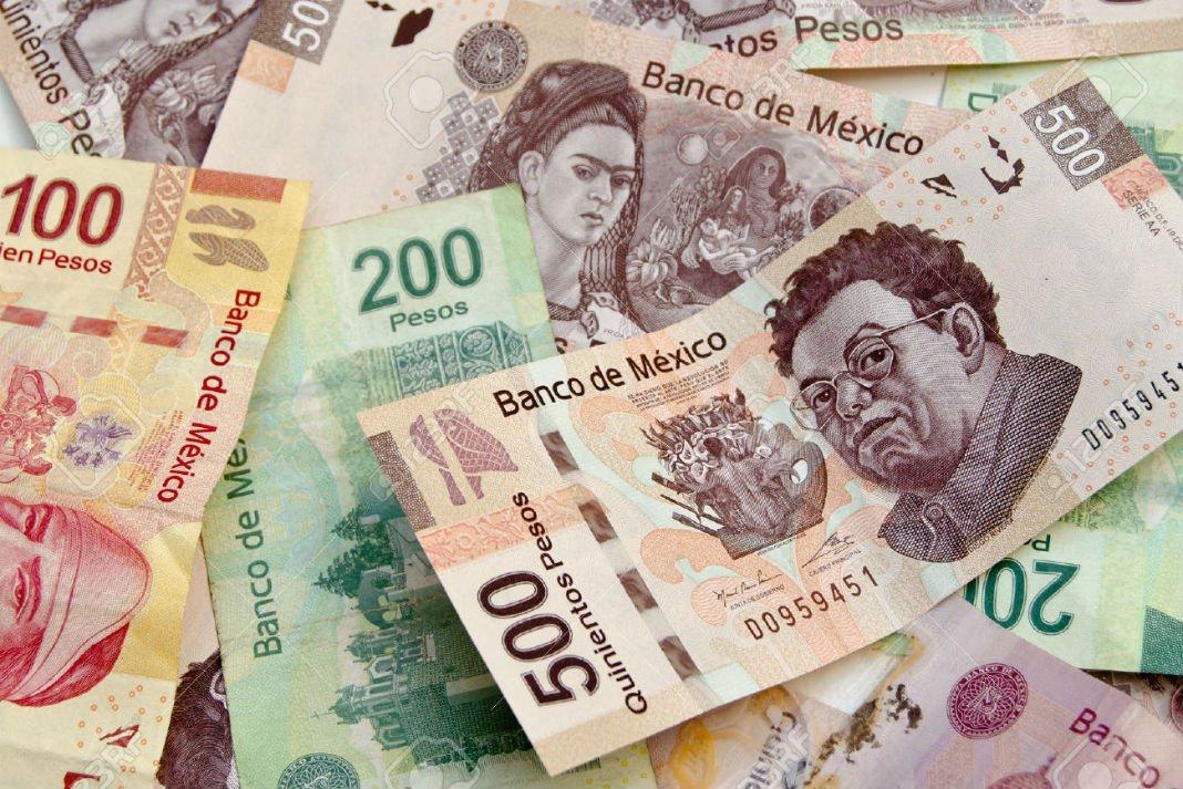 Peso mexicano extiende ganancias por optimismo