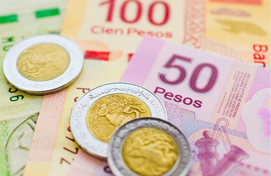 Peso gana por optimismo sobre renegociación del TLCAN