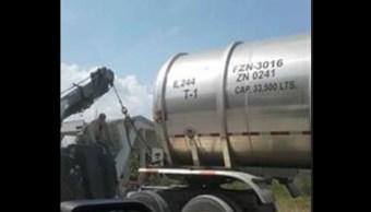 Recuperan dos pipas con hidrocarburo robado en Tabasco
