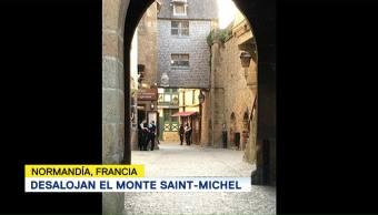 Polcía Francia Desaloja Turistas Monte Saint-Michel
