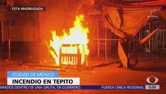 Policías evitan incendio de lonas en Tepito, CDMX