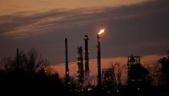 Precios del petróleo marchan al alza