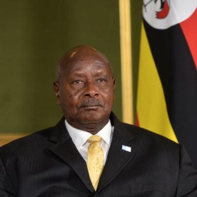 Presidente de Uganda intenta prohibir el sexo oral en su país