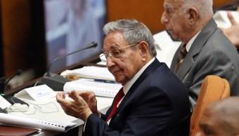 Raúl Castro asiste a sesión donde producirá relevo en Presidencia de Cuba