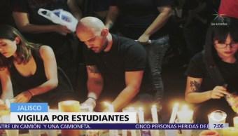 Realizan vigilia por estudiantes de cine asesinados en Jalisco