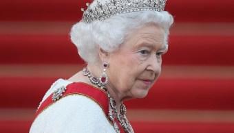 Reina Isabel II celebra 92 años con concierto plagado de estrellas
