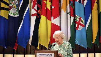 Isabel II pide a la Commonwealth elegir al príncipe Carlos como sucesor