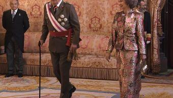 Rey Juan Carlos de España es operado con éxito de una rodilla