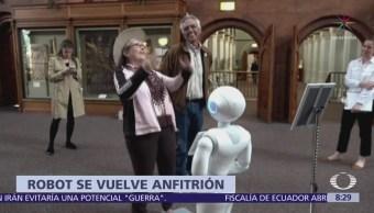 Robot es el anfitrión y guía del Museo Smithsoniano