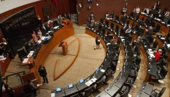 Inicia credencialización de legisladores en el Senado