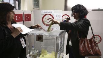 Parlamento de Turquía aprueba las elecciones anticipadas del 24 junio