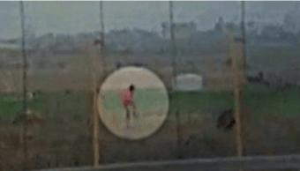 Polémica por video de soldado israelí disparando a palestino
