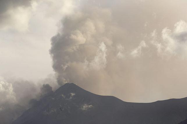 Volcán Fuego en Guatemala tiene entre 7 y 9 explosiones por hora