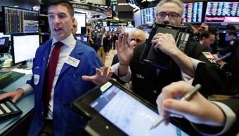 Wall Street abre con pérdidas y bajas
