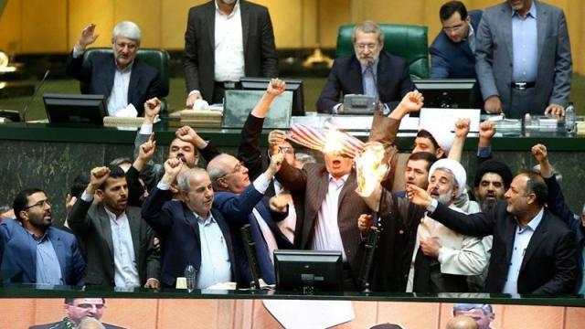 presidente parlamento irani llama trump narcisista e ignorante