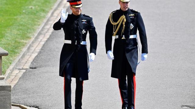 Príncipe Enrique llega al castillo de Windsor