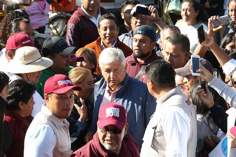 Pide López Obrador defender votos en la jornada electoral