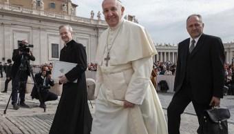 Papa pide que obispos alemanes decida si dan comunión a matrimonios mixtos