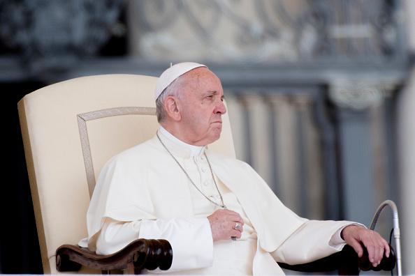 Obispos chilenos llamados al Vaticano vuelven a reunirse con el papa