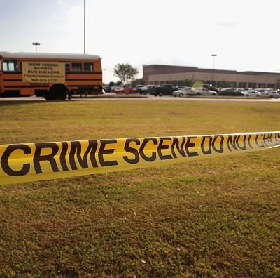 Trump destina 70 mdd para responder a tiroteos en escuelas de EU